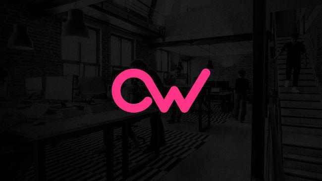 Logo OW sobre fondo negro